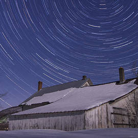 Andy Gimino - Vermont abandonded Farmhouse Night star trails