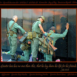 Carolyn Marshall - Veterans at Vietnam Wall