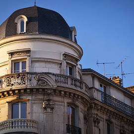Kirk Strickland - Victorian Apartment in France