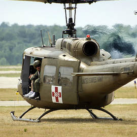 Thomas Woolworth - Vietnam Medevac Copter 369
