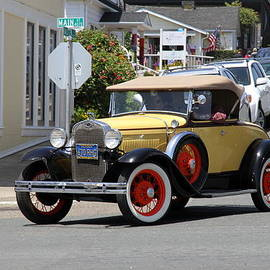Christiane Schulze Art And Photography - Vintage Ford On Main Street