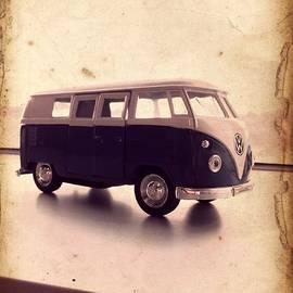 Richard Reeve - VW Micro Bus Redux