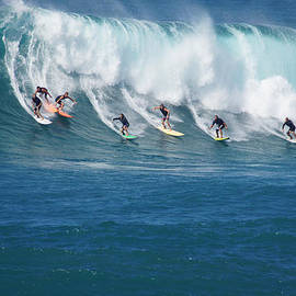 Waimea Bay Crowd by Kevin Smith