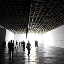 Joanna Madloch - Walking on Light