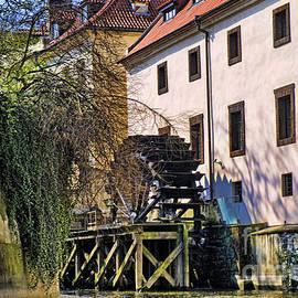 Brenda Kean - Water power in Prague