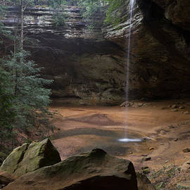 Waterfall At Ash Cave by Dale Kincaid