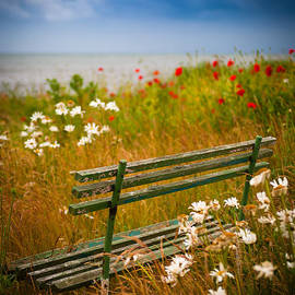 Where we used to sit... by Inge Johnsson