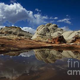 White Pocket Arizona 5 by Bob Christopher