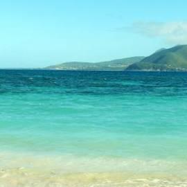 Ian  MacDonald - White Sand Blue Sky Blue Water