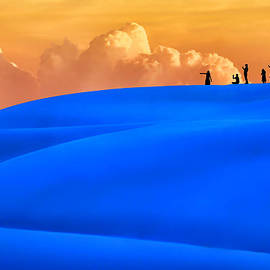 Nikolyn McDonald - White Sands Sunset in Blue and Orange