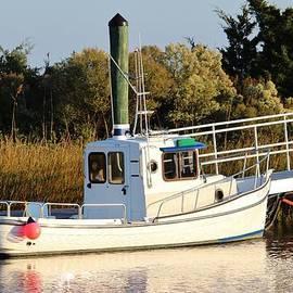 Cynthia Guinn - White Tugboat