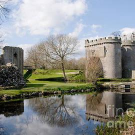 Sheila Laurens - Whittington Castle
