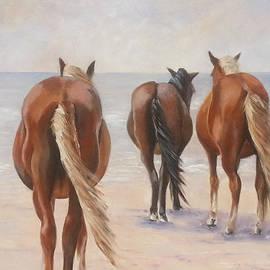 Linda Elsea - Wild Horses on Beach