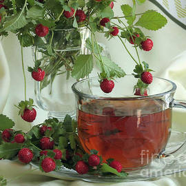 Wild Strawberry Tea by Luv Photography