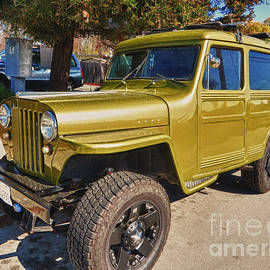 Chris Berry - Willys 1947 Jeep Station Wagon