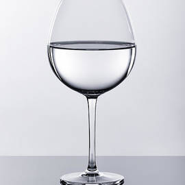 Tomasz Sergej - Wine glass with water