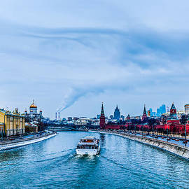 Winter Begins In Moscow by Alexander Senin