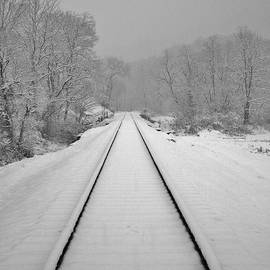 Hominy Valley Photography - Winter on The Tracks