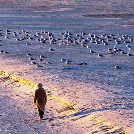 Cynthia Guinn - Winter Time At The Beach