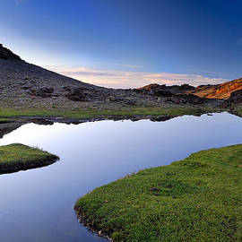 Guido Montanes Castillo - Yeguas Lake at sunset