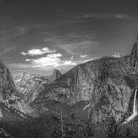 Yosemite Valley Panorama BW by Morgan Wright