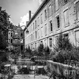 Paul Velgos - Abandoned Glencoe-Auburn Hotel in Cincinnati