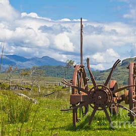 Hugh McKean - Agriculture Farm implement Mechanical Hay Turner Horse drawn