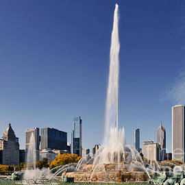 Christine Till - Art Deco Buckingham Fountain Chicago