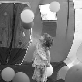 Val Oconnor - Balloons