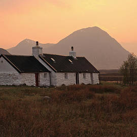 Maria Gaellman - Black Rock Cottage Sunset