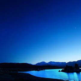 Sylvia J Zarco - Blue dusk Mono Lake