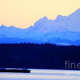 Tap On Photo - Washington Puget Sound Cascade Waterway