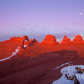 Dusk at Delicate Arch by Keith Kapple