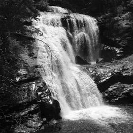 Val Oconnor - Falls in Smoky Mountains