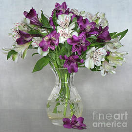 Jacky Parker - Friendship Lilies