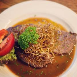 German food Zwiebelrostbraten