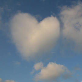 Heart In The Clouds by Diana Haronis
