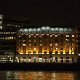 Sean Foreman - London Bridge Hospital at Night 2