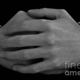 Nabucodonosor Perez - Memento Mori - Hands
