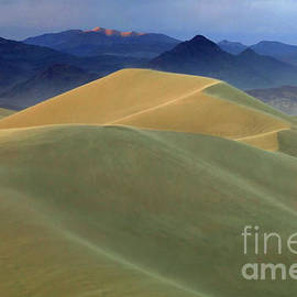 Mountains Of Sand 2 by Bob Christopher