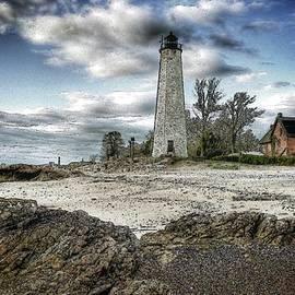 Frank Garciarubio - New Haven Lighthouse II