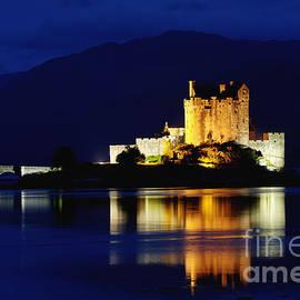 Night Falls on Eilean Donan Castle - D002114