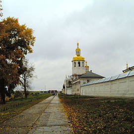 Roman Popov - Old monastery the autumn road