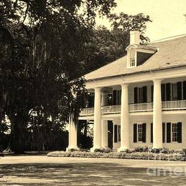 John Malone - Old Southern Plantation