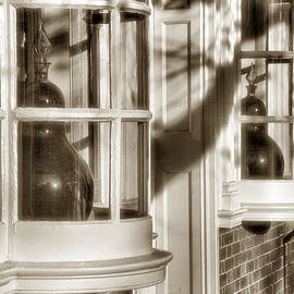 Steven Ainsworth - Old Town Windows