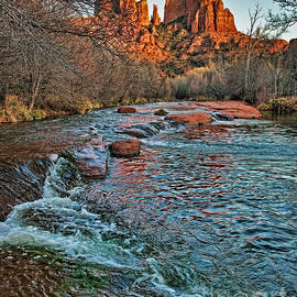 Red Rock Crossing Arizona by Dale Erickson