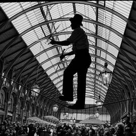 Aldo Cervato - Ropewalker in Covent Garden