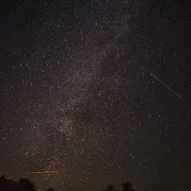 Andrew Soundarajan - Shooting Stars in the Milky Way