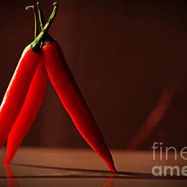 Stehende Chili by Tanja Riedel