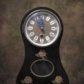 Joana Kruse - table clock